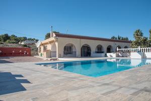 7 bedroom Villa for sale in Torremendo