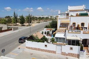 3 bedroom Townhouse for sale in Entre Naranjos