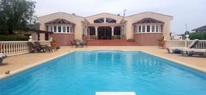 4 bedroom Villa for sale in Sax