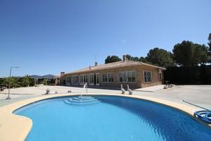 4 bedroom Villa te koop in Barbarroja