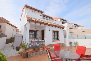 3 bedroom Villa te koop in Villamartin