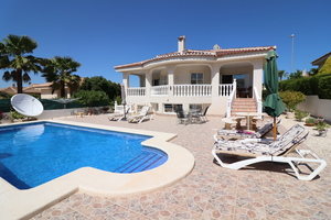 5 bedroom Villa for sale in Benimar