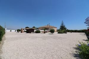 3 bedroom Villa for sale in Rafal