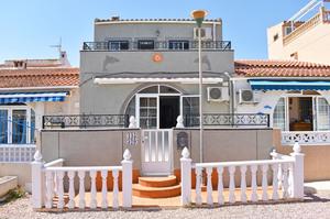 3 bedroom Geschakelde Woning te koop in Torrevieja