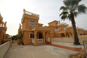 2 bedroom Villa for sale in Quesada