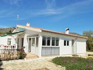 5 bedroom Villa te koop in Salinas