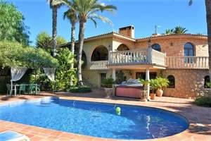 6 bedroom Villa for sale in La Nucia