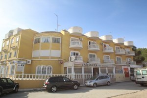 2 bedroom Apartment for sale in Las Filipinas