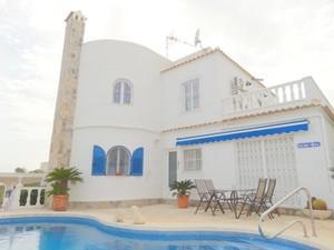 6 bedroom Villa for sale in Villamartin