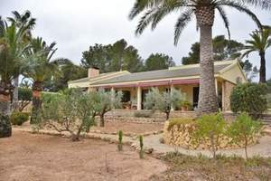 5 bedroom Villa for sale in La Nucia