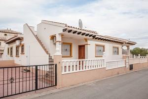 2 bedroom Villa te koop in Campoamor