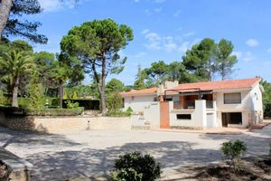 5 bedroom Villa for sale in Alcoy