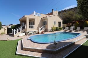 3 bedroom Villa for sale in Benimar