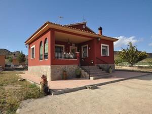 3 bedroom Villa for sale in Yecla