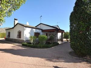 4 bedroom Villa for sale in Sax