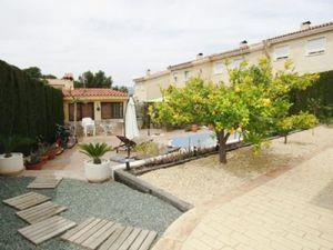 4 bedroom Villa for sale in Petrer