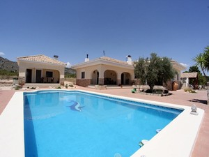 3 bedroom Villa te koop in Salinas