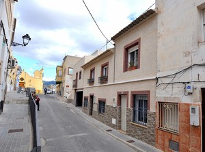 4 bedroom Townhouse for sale in Sax