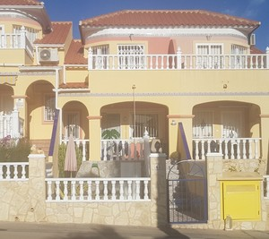 3 bedroom Townhouse for sale in Las Filipinas