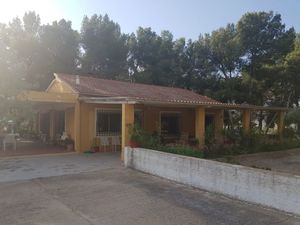 4 bedroom Villa for sale in Villena
