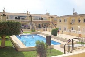Apartamento de 2 dormitorio se vende en San Miguel de Salinas