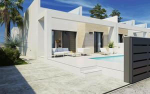 2 bedroom Villa for sale in Daya Nueva