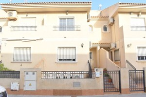 4 bedroom Townhouse for sale in Lo Pagan