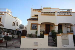 3 bedroom Geschakelde Woning te koop in Los Balcones