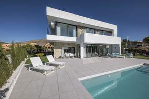 4 bedroom Villa for sale in Finestrat