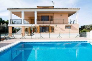 7 bedroom Villa for sale in Rafal