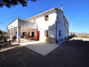 6 bedroom Villa for sale in Villena