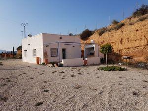 2 bedroom Villa for sale in Macisvenda