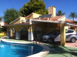 4 bedroom Villa for sale in El Campello