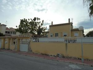 4 bedroom Villa te koop in Torrevieja