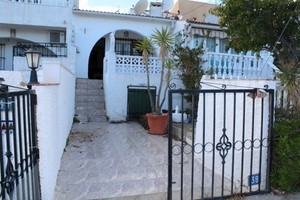 Villa for sale in Quesada