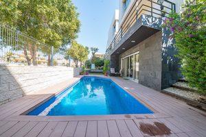 5 bedroom Villa for sale in Playa de San Juan