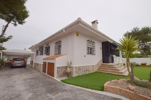 4 bedroom Villa for sale in Pinar de Campoverde