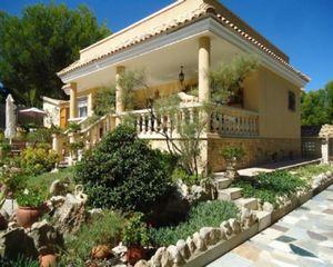 4 bedroom Villa for sale in Tibi