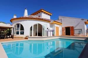 4 bedroom Villa for sale in Mil Palmeras