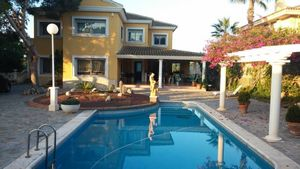 4 bedroom Villa for sale in Santa Pola
