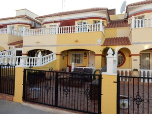 3 bedroom Townhouse for sale in Lo Crispin