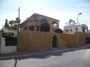 6 bedroom Villa for sale in Los Balcones