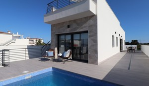 3 bedroom Villa te koop in Daya Nueva