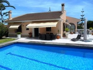 4 bedroom Villa te koop in Los Balcones