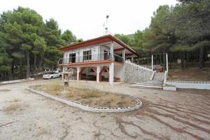 Villa de 4 dormitorio se vende en Elda