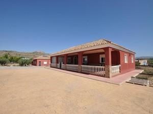 8 bedroom Villa for sale in Sax