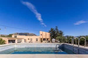 6 bedroom Villa for sale in Elda