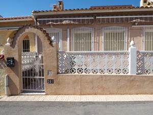 2 bedroom Villa for sale in La Marina