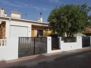 3 bedroom Geschakelde Woning te koop in Salinas
