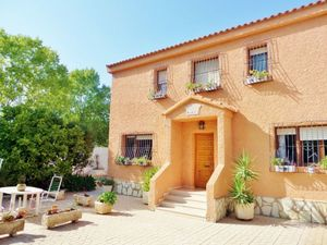 5 bedroom Villa for sale in San Vicente del Raspeig